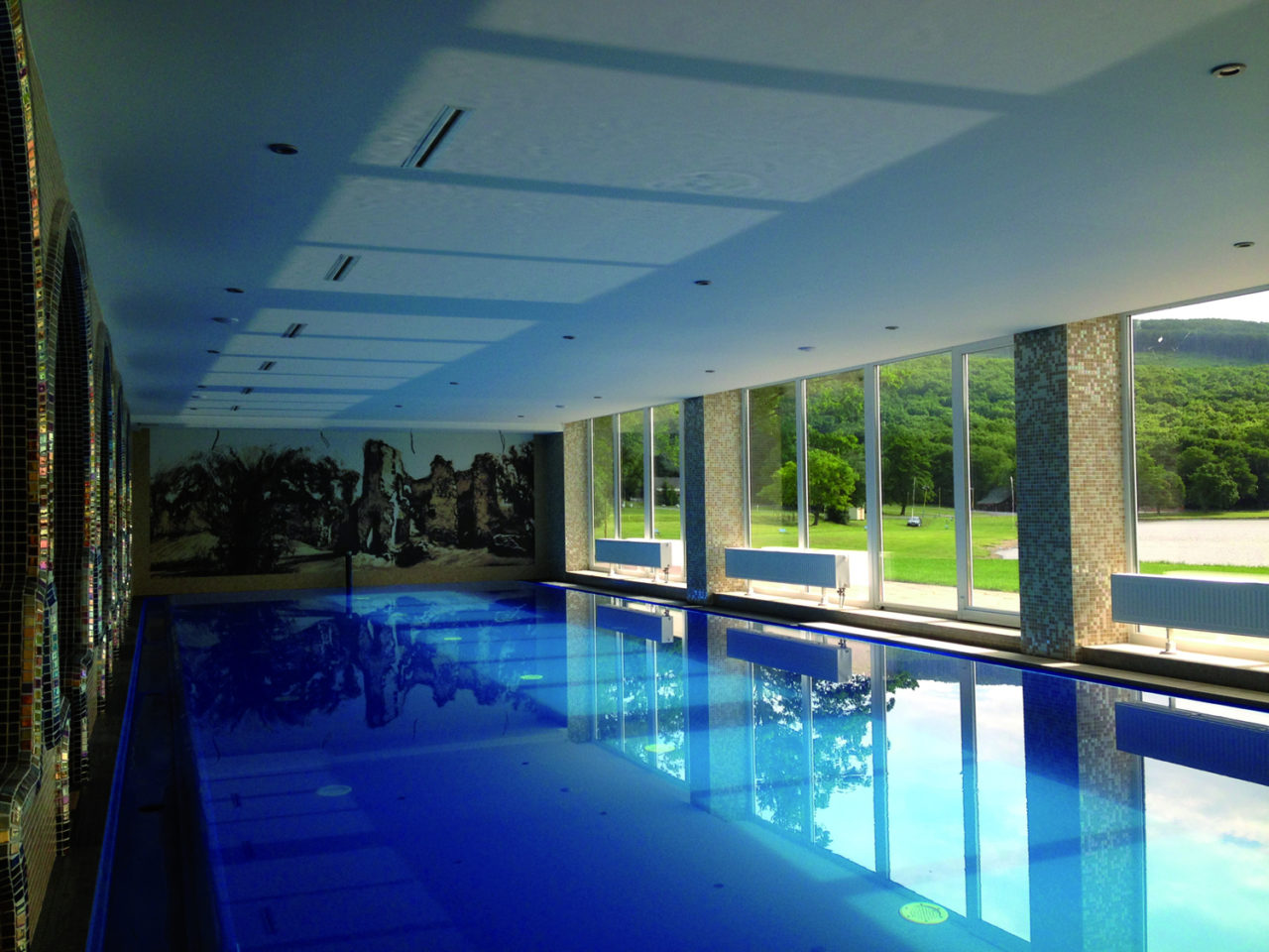 Dehumidification of pools | Blog - Microwell